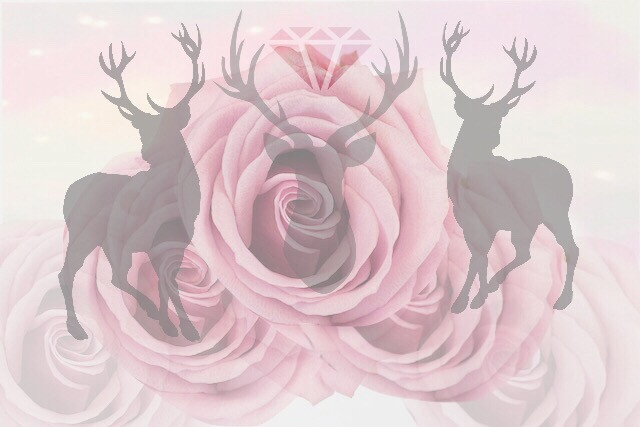 Absolutely adore this creation, took me 40 minutes.  Instagram - deerantlers   #stag #deer   #animals #wildlife #animallover #animalcreation #tumblr #roses